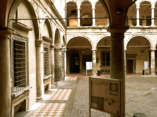 002_cortile antique 740